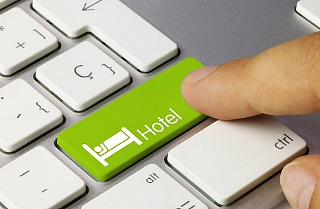 Booking.com eases keyword bidding clause restrictions with hotels on Google