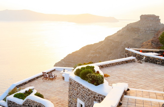 Greek hotel losses from Thomas Cook fall: €315 million in 2019 and €1 billion in 2020