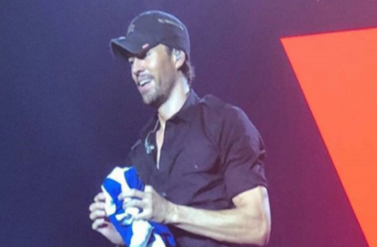 Latin pop star Enrique Iglesias' first concert in Athens (photos-videos)