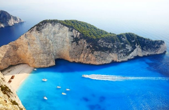 Greece jumps 7 spots in WEF's global tourism and travel competitiveness list