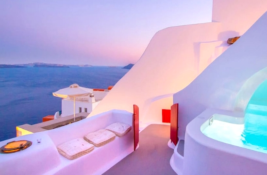World's 8 coolest caves you can rent via Airbnb - 3 in Santorini
