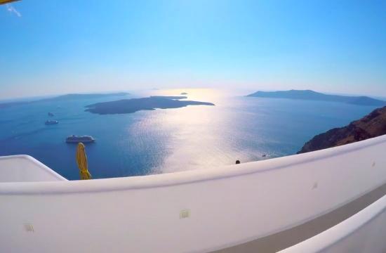 Tourist season on Santorini island continues until Christmas