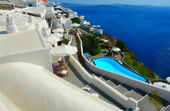 Greek island of Santorini becomes a global destination for parkour (videos)