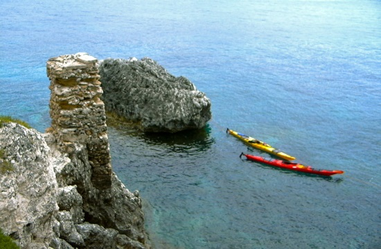 Crossing the Aegean Sea from Sounio to Santorini on kayaks