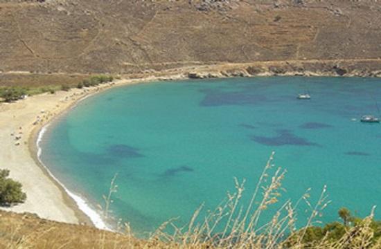 Bid to create Greece's first 'smoke-free' beach on Serifos island