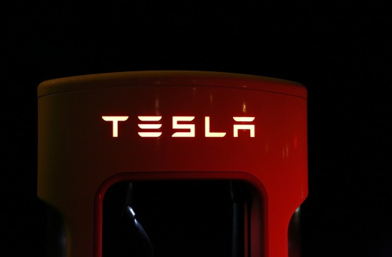 Tesla entering Greek market with two job openings on official website