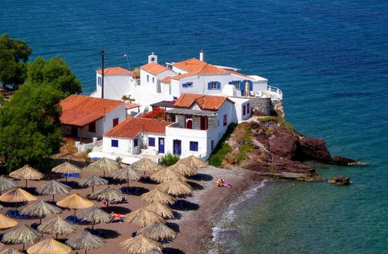 """Forbes: Vlichos in Hydra among """"must visit"""" European beaches for 2019"""