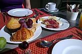 Breakfast in hotel rooms and dinners a la carte in Greece