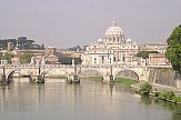 AP: COVID-19 case in Vatican Hotel recorded where Pope lives