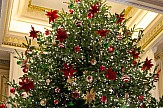 Hotel Grande Bretagne in Athens lights up its Christmas tree (videos)