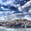 Italian blogger Celine Da Costa included Santorini among slightly overrated European destinations