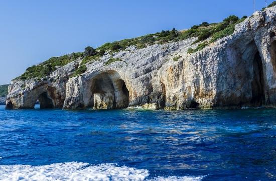 Tripadvisor: Τα ελληνικά νησιά στην κορυφή των αναζητήσεων των Βρετανών για διακοπές το 2021