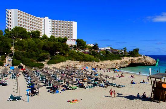 Γερμανία: Έκρηξη κρατήσεων για διακοπές στη Μαγιόρκα – Φαινόμενο ντόμινο και για την Ελλάδα