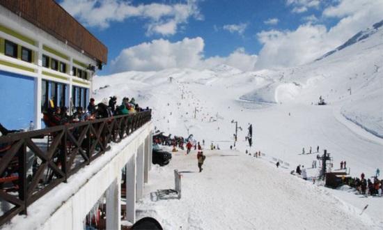 ΕΤΑΔ: Συστάσεις ενόψει της κακοκαιρίας για τα χιονοδρομικά κέντρα Παρνασσού και Βόρα-Καϊμάκτσαλαν