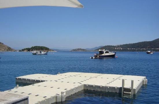 Άδειες για δύο πλωτές εξέδρες σε Σάμο και Σκιάθο