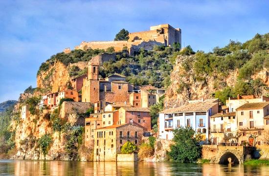 Ισπανία: Μείωση 93,6% των τουριστικών αφίξεων στην Ισπανία τον Φεβρουάριο