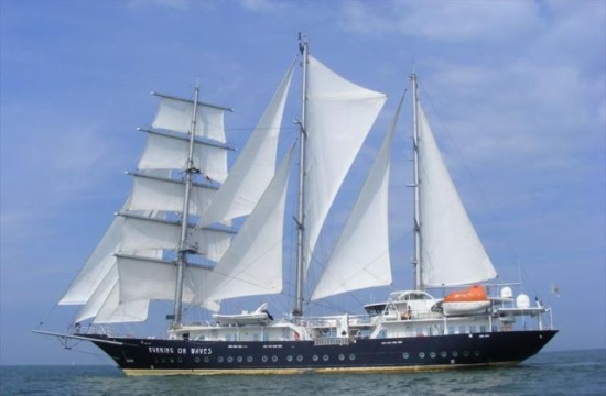 Παράνομη ναύλωση τουριστικού πλοίου ξένης σημαίας στη Ζέα
