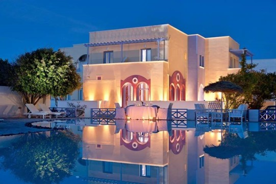Κυκλάδες: Ανοίγει τα περισσότερα ξενοδοχεία της η Aqua Vista Hotels
