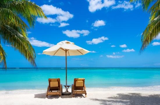 Πώς κλείνει η τουριστική σεζόν στην Ελλάδα: -73,4% οι αεροπορικές αφίξεις στο 9μηνο, -76,1% ο οδικός τουρισμός