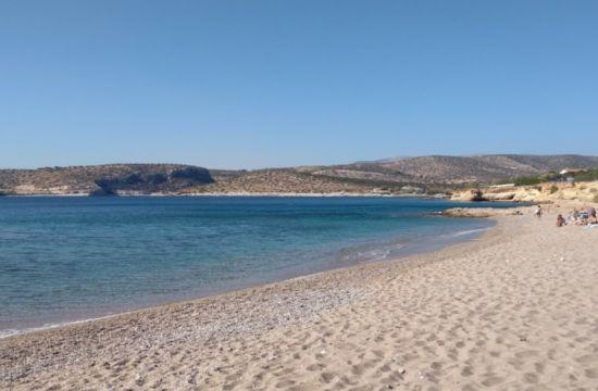 Νησί Ντούνη: Η άγνωστη παραλία της Αττικής με την αφράτη άμμο