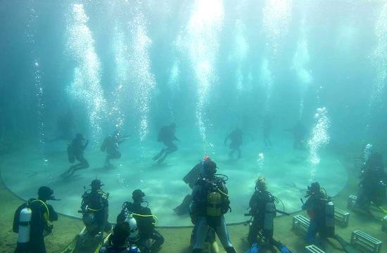 Drops of Breath: Παγκόσμια πρεμιέρα της υποβρύχιας παράστασης χορού στο Σούνιο