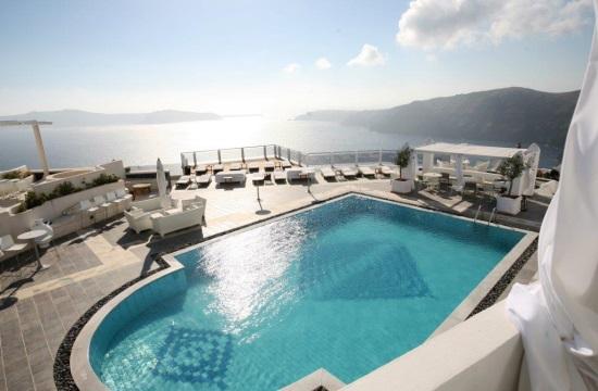 Αποφάσεις για 2 ξενοδοχεία σε Χανιά και Σαντορίνη