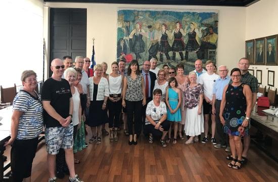 Τιμητικές διακρίσεις σε φίλους της Ρόδου | Νορβηγίδα επισκέφτηκε το νησί 100 φορές