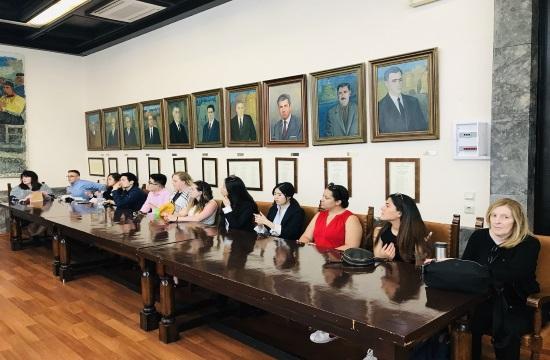 Αμερικανοί φοιτητές μελετούν τον ροδιακό τουρισμό