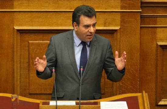 Επιτροπή στη Βουλή για τη δημόσια υγεία στα νησιά ζητεί ο Μ. Κόνσολας