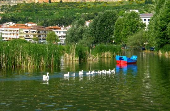 Καστοριά: Ανεβαίνει ο τουρισμός, πέφτει η γουνοποιία
