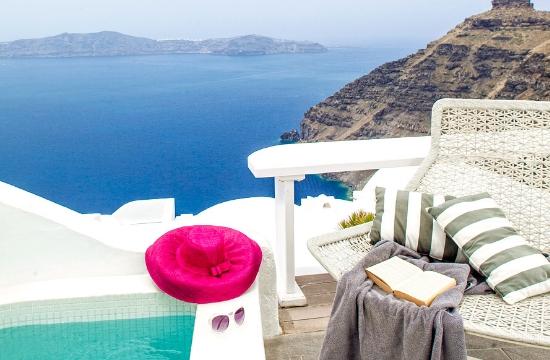 Menz Mag: Το Mill Houses Studio and Suites στη Σαντορίνη στα 10 καλύτερα πολυτελή ξενοδοχεία στον κόσμο για ζευγάρια