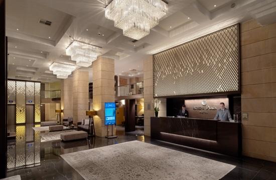 Το ξενοδοχείο NJV Athens Plaza επανήλθε δυναμικά στο προσκήνιο