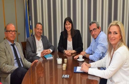 Υπουργείο-Περιφέρεια στηρίζουν τα επενδυτικά σχέδια κινηματογραφικών παραγωγών στη Σύρο