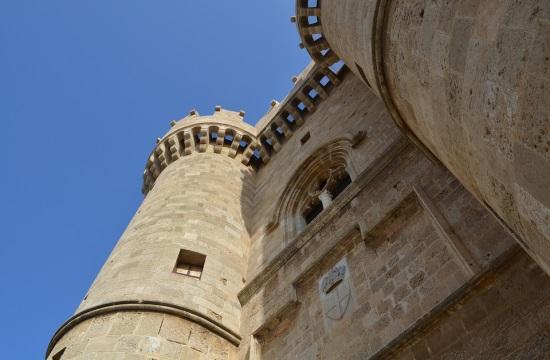 Άδειες για 2 ξενοδοχεία σε Ρόδο και Κρήτη