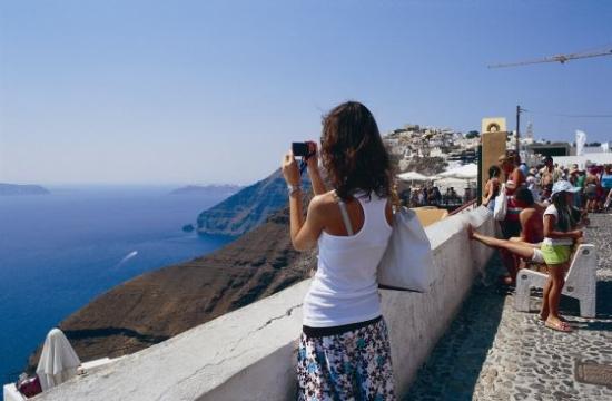 """ΤUI: """"Εκπληκτικά ισχυρές"""" οι πωλήσεις για Ελλάδα φέτος"""