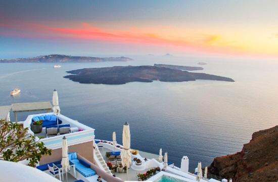Nέο ξενοδοχείο 9 ορόφων στον Πειραιά – Νέο 5άστερο στη Σαντορίνη