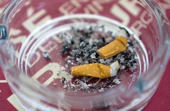 Νέα εγκύκλιος για το κάπνισμα: Τι απαγορεύεται στα ξενοδοχεία και τα εστιατόρια