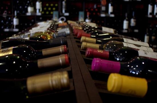 73 εκατ. μπουκάλια ιταλικό κρασί θα καταναλώσουν οι τουρίστες