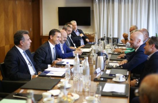 Τουρισμός: Λύσεις στα δομικά προβλήματα ζήτησε ο ΣΕΤΕ στη συνάντηση με την ηγεσία του τουρισμού