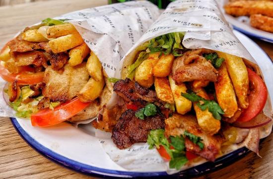 Κορωνοϊός-Instagram: Ένας Έλληνας μαγειρεύει στην καρδιά του Λονδίνου