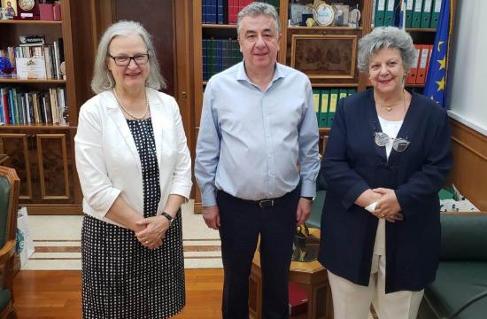 Συνάντηση Αρναουτάκη με την Πρέσβη της Αυστρίας, με στόχο την προσέλκυση Αυστριακών τουριστών στην Κρήτη