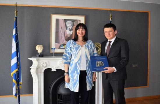 Ε.Κουντουρά: Τουριστική συνεργασία με το Ουζμπεκιστάν