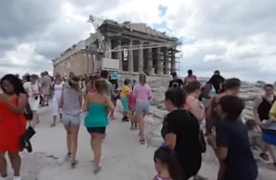 Ο ελληνικός τουρισμός πίσω από τους αριθμούς