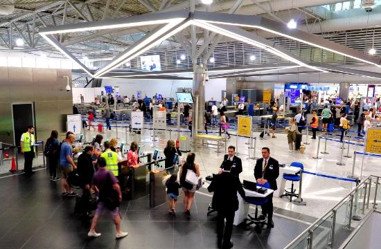 +7,7% η επιβατική κίνηση στο αεροδρόμιο Αθηνών τον Ιούλιο