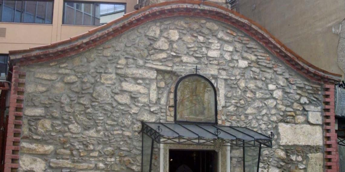 Το εκκλησάκι στο κέντρο της Αθήνας που ίσως δεν έχεις παρατηρήσει
