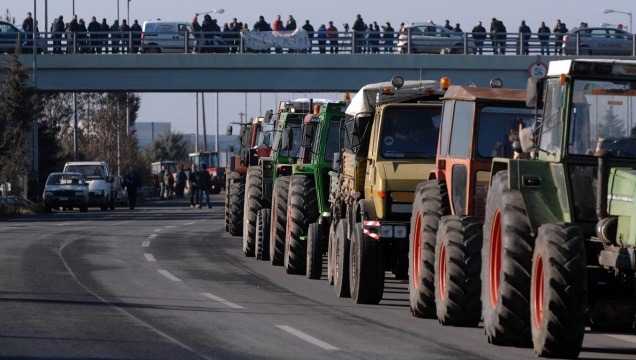 Από τις 23 Ιανουαρίου τα μπλόκα των αγροτών- Προς παράλυση ο οδικός τουρισμός