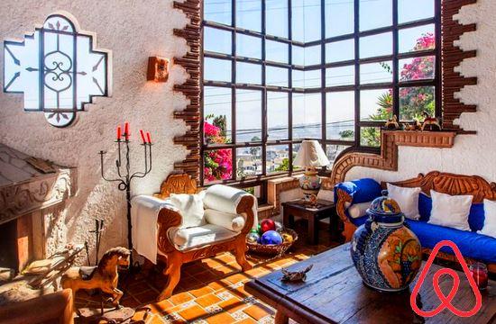 ΑΑΔΕ: 21 διευκρινίσεις για όσους μισθώνουν σπίτια σε τουρίστες μέσω Airbnb