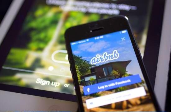 Διεθνής τουρισμός: Ρεκόρ κρατήσεων το θερινό τρίμηνο στα σπίτια της Airbnb