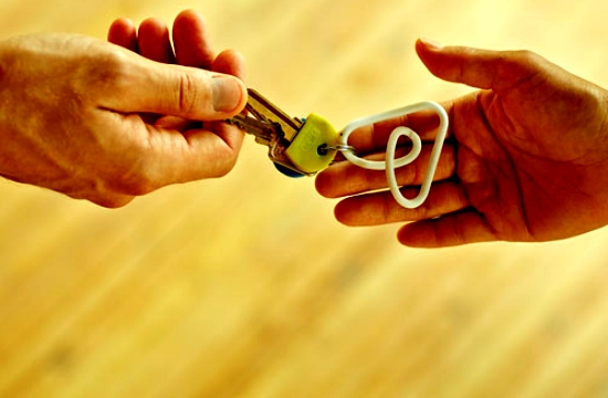 Airbnb: Αύξηση 50% των ιδιοκτητών τρίτης ηλικίας που ενοικιάζουν τα σπίτια τους