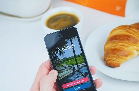 Airbnb εναντίον υπερ-τουρισμού και... ξενοδοχείων